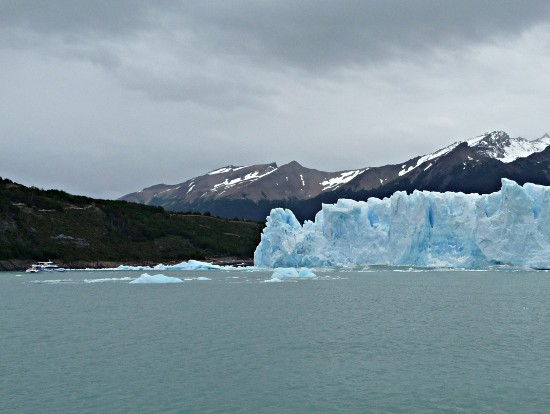 nothern wall of the Perito Moreno Glacier with head