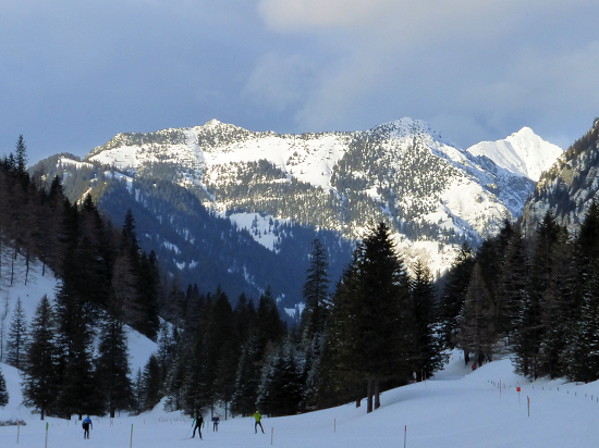Alpspitz (1942 m, left of center), Helwangspitz (2000 m, right of center) and Kuegrat (2123 m, right rear)