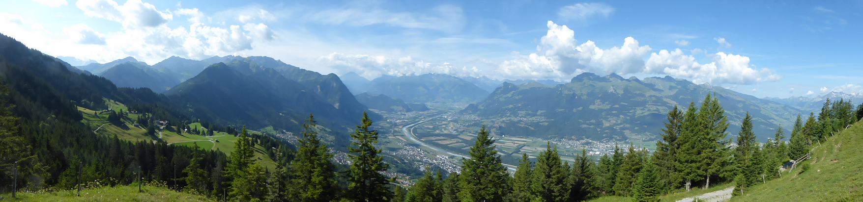 Panorama − View from Ferchenegg into the Rhine Valley